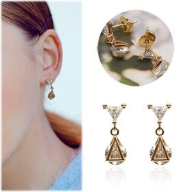 SAC14240Crystal Small Triangular Earrings